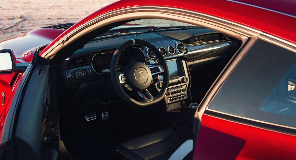 Новий Ford Mustang Shelby GT500 –найпотужніший цивільний Форд