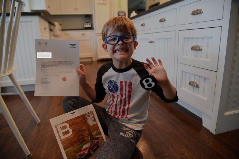 П'ятирічний автолюбитель написав листи 50 автовиробникам і ось що отримав у відповідь