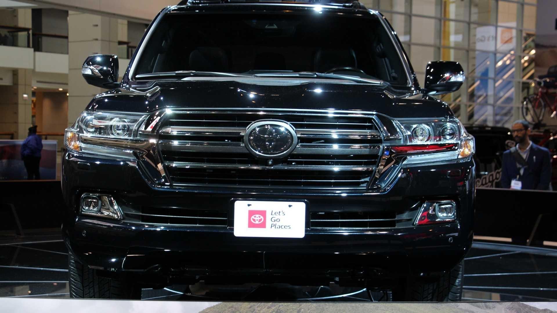 Toyota показала в Чікаго Land Cruiser Heritage Edition