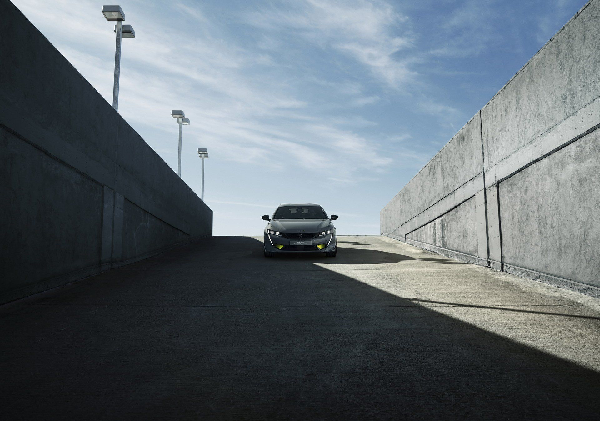 Peugeot покаже в Женеві 400-сильний седан 508