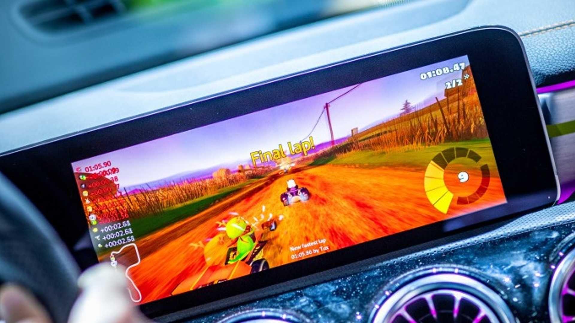 У новому Mercedes CLA можна гратись у Mario Kart