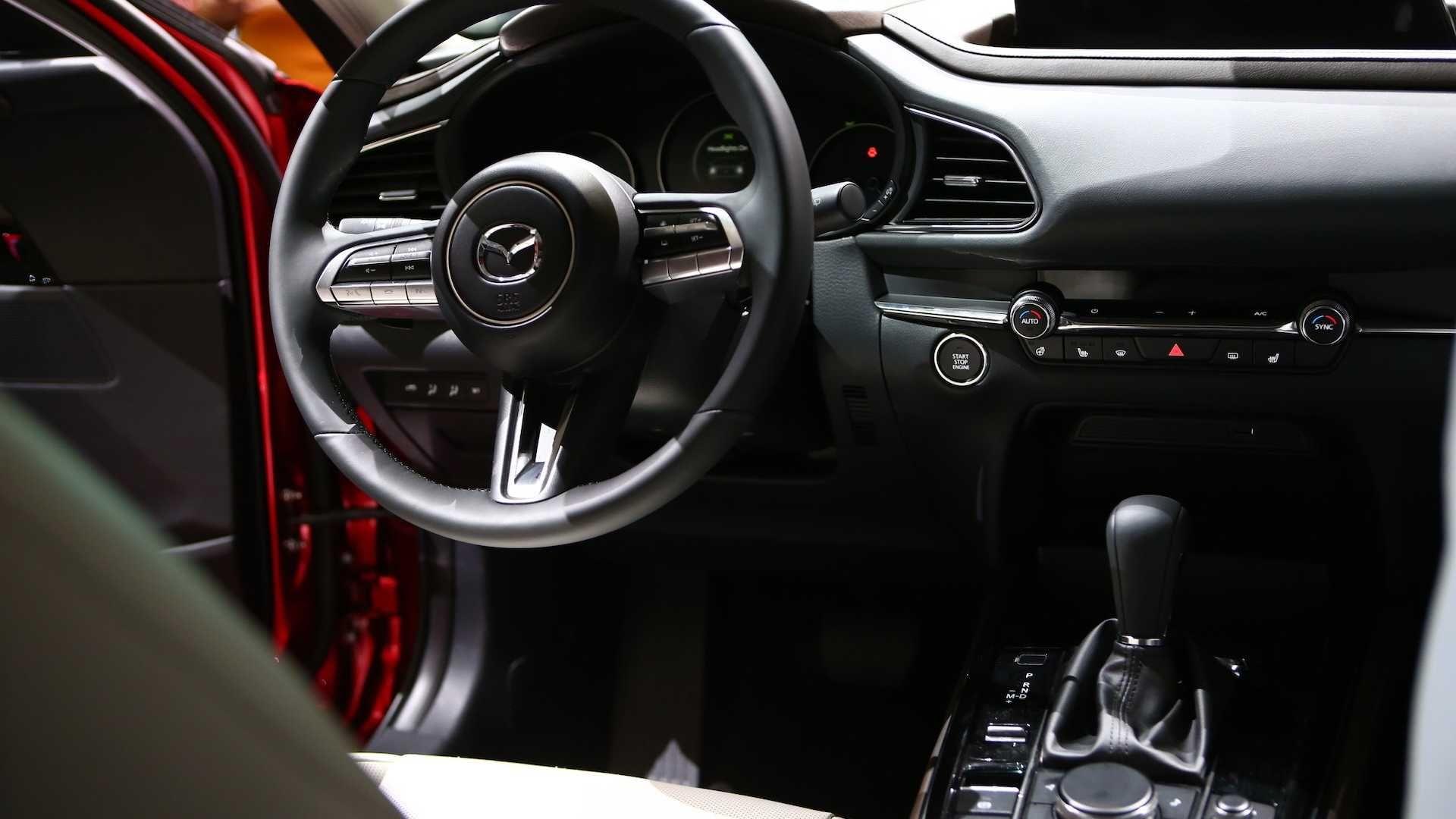 Женевський автосалон Mazda Cx 30 стала для усіх приємним