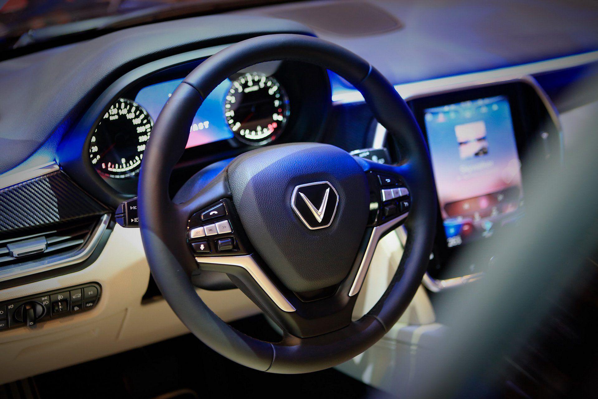 В'єтнамський люксовий кросовер Vinfast Lux V8 мріє бути BMW