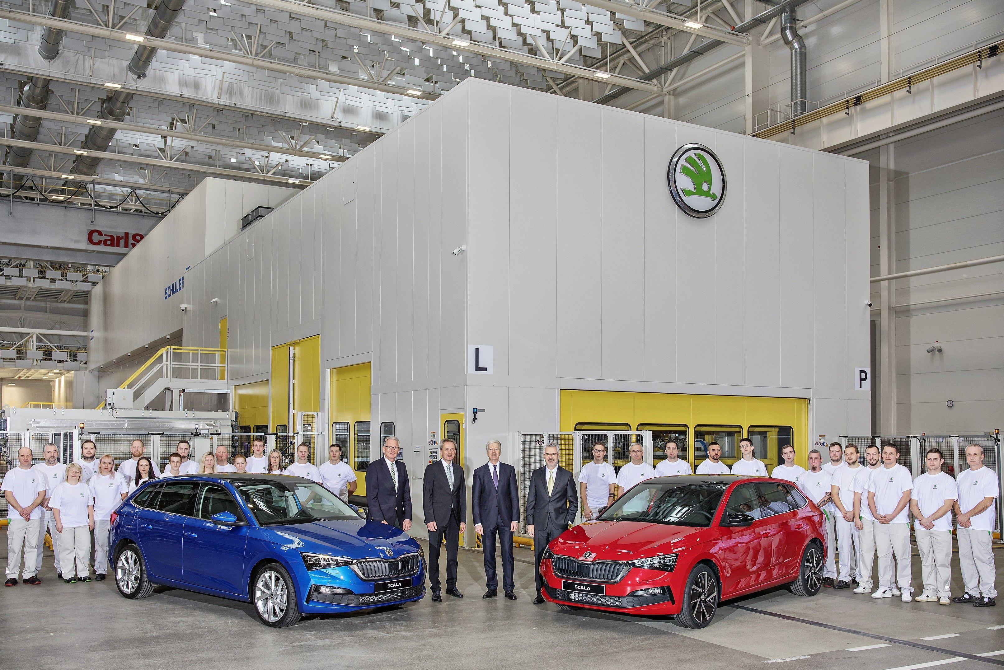 Ціни на Skoda Scala: порівнюємо вартість з Volkswagen Golf