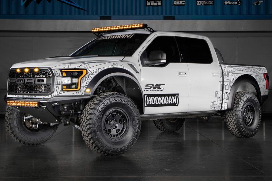 Радість Хунігана: Кен Блок показав у дії свій новий Ford F-150 Raptor SVC