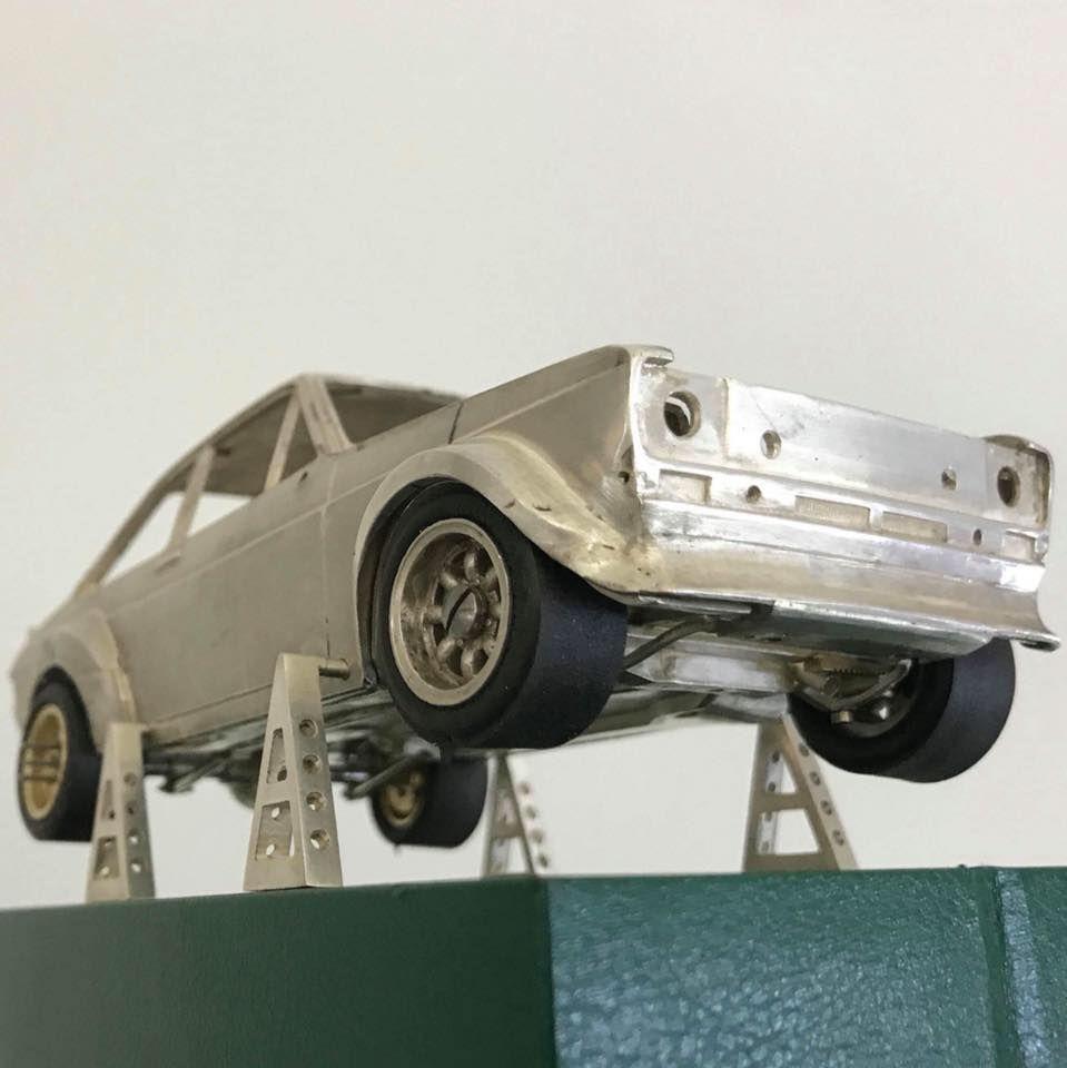 Ювелір 25 років майстрував модель Ford Escort у масштабі 1:24 з золота, срібла і діамантів, а тепер продає свій шедевр