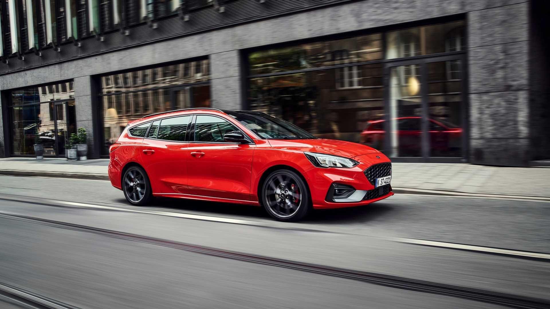 Ford офіційно представив універсал Focus ST