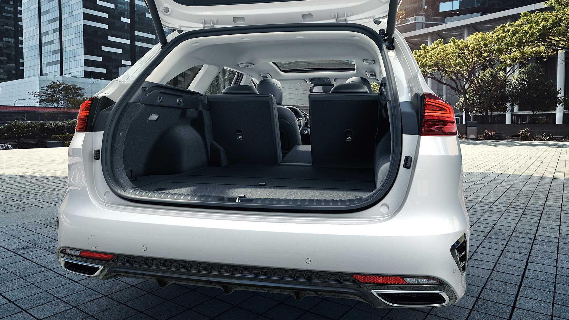 Kia вивела в світ гібридні версії універсала Ceed та кросовера XCeed з індексом PHEV