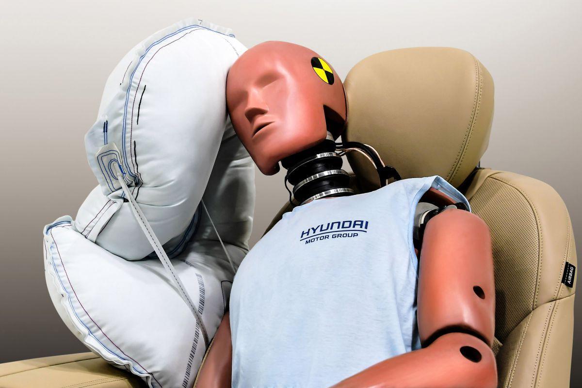 Hyundai продемонструвала подушки безпеки нового типу