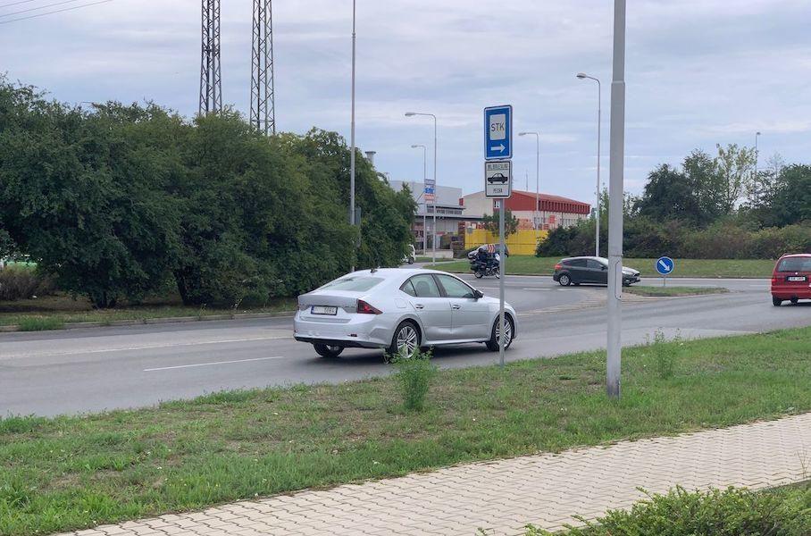 Нова Skoda Octavia 2020 потрапила на очі шпигунам без камуфляжу