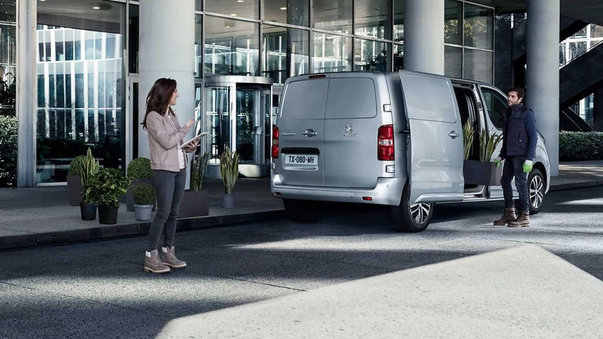 Peugeot представила електричну версію комерційного фургона Expert