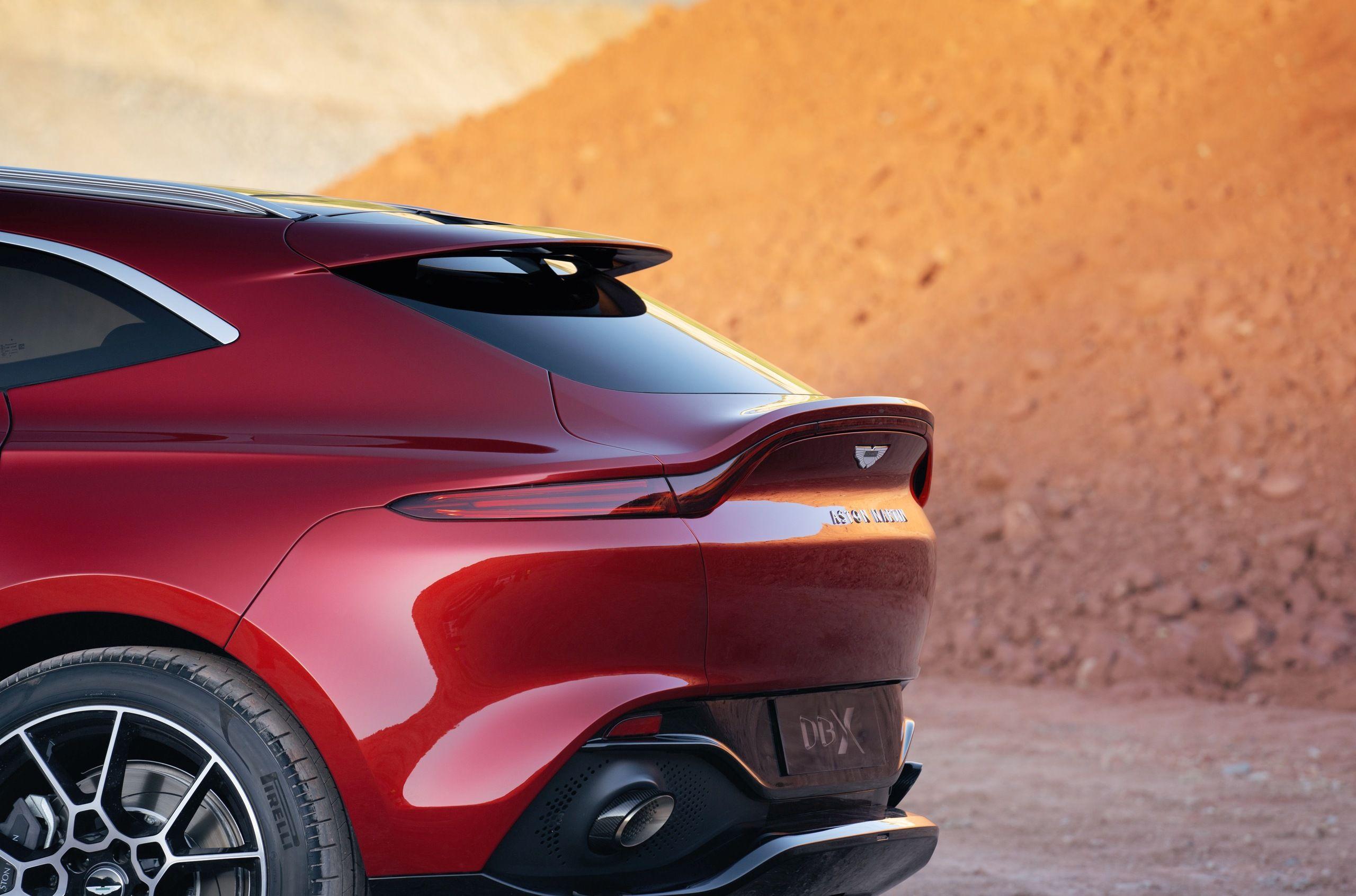 Розкішний кросовер Aston Martin DBX незабаром з'явиться в Україні