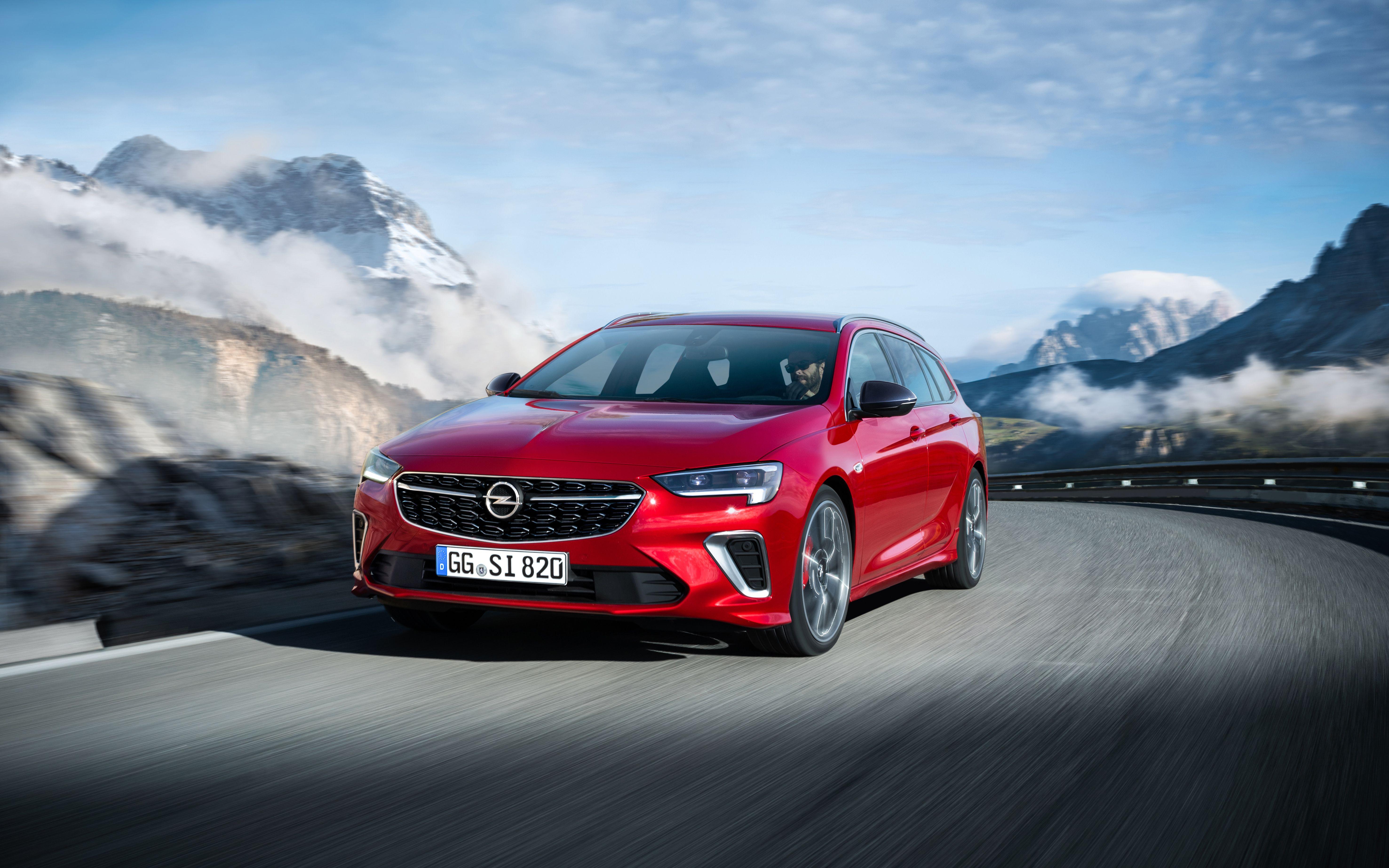 Opel показав топову версію Insignia –GSi з 230-сильним мотором та повним приводом