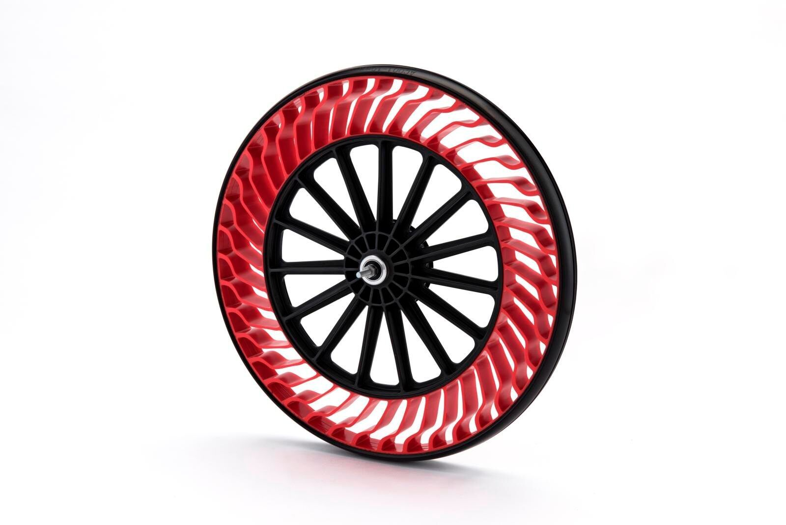 Інноваційні колеса від Bridgestone, що не бояться проколів, з'являться на серійному транспорті вже цього року