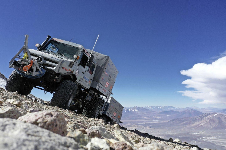 Unimog U 5023 встановив рекорд висоти для колісного транспорту