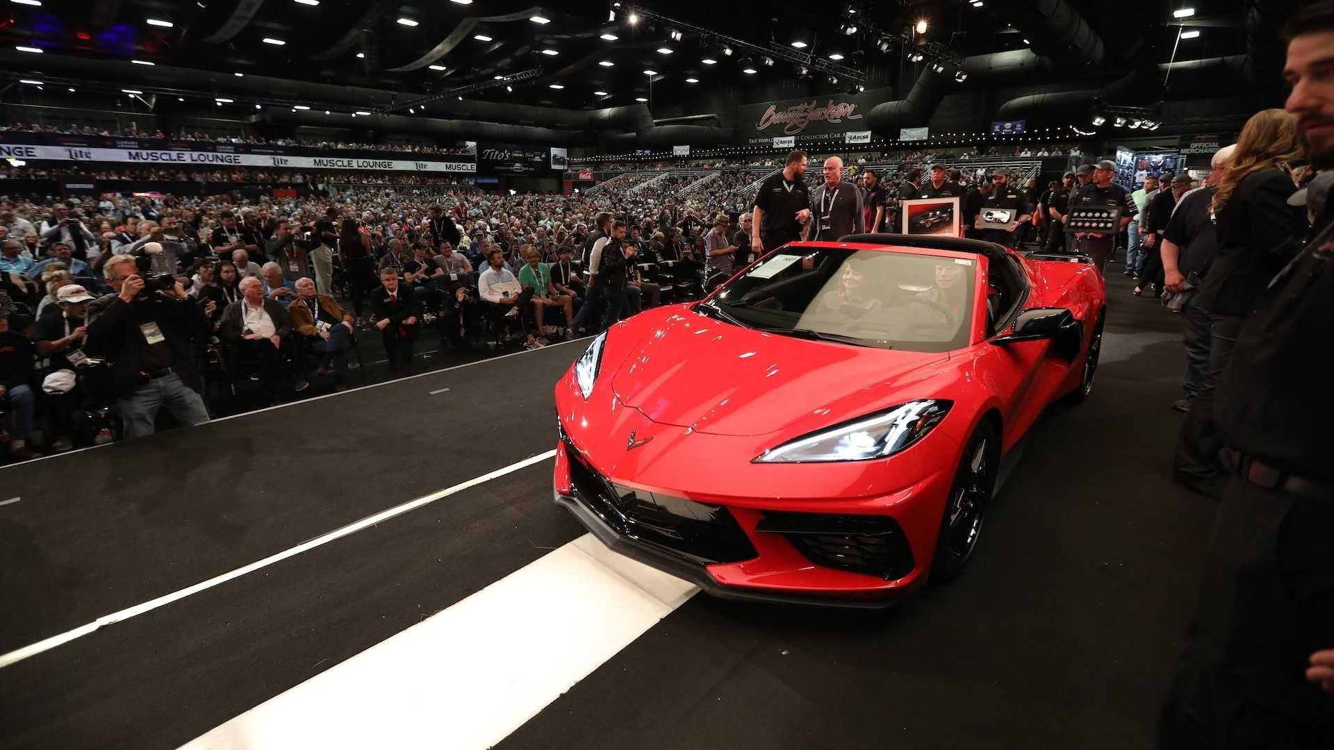 Власник Corvette C8 з VIN001 вартістю у три мільйони доларів розповів, що збирається зробити зі своїм суперкаром