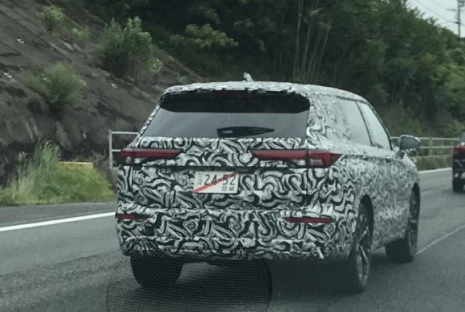 Розкрито вигляд нового Mitsubishi Outlander