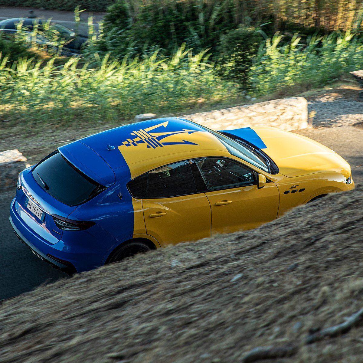 День Флага: самые известные желто-голубые автомобили 4