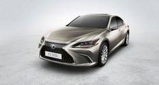 Lexus ES 300h отримав дозвіл на оснащення камерами заднього виду в Європі