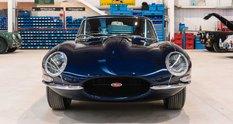 У Британії стартувало виробництво класичних Jaguar E-Type 1960-х років з модерновим 400-сильним мотором