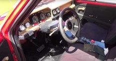 В старий югославський хетчбек встановили два мотора Cadillac V8