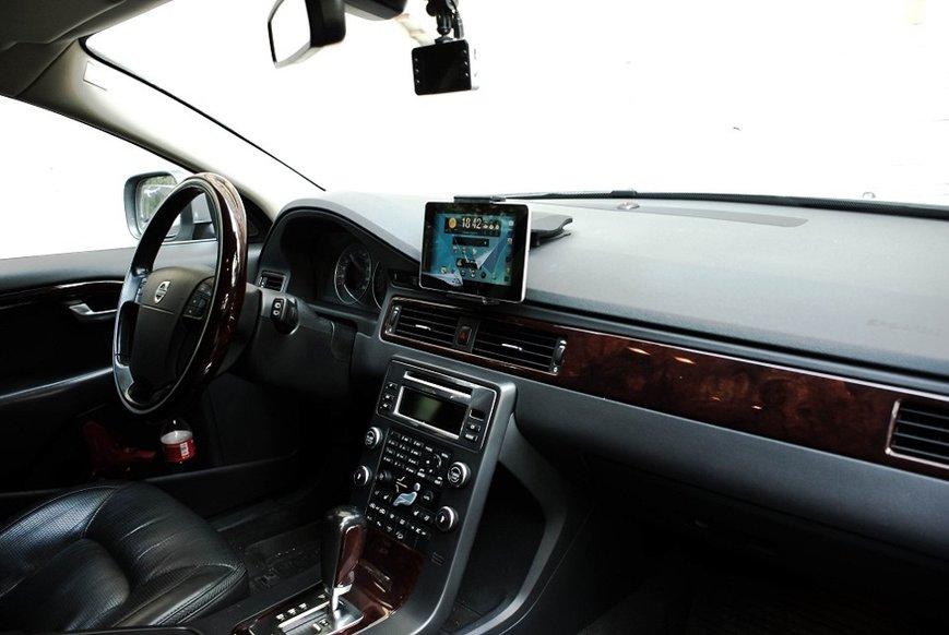 Як обрати та купити монітор для автомобіля