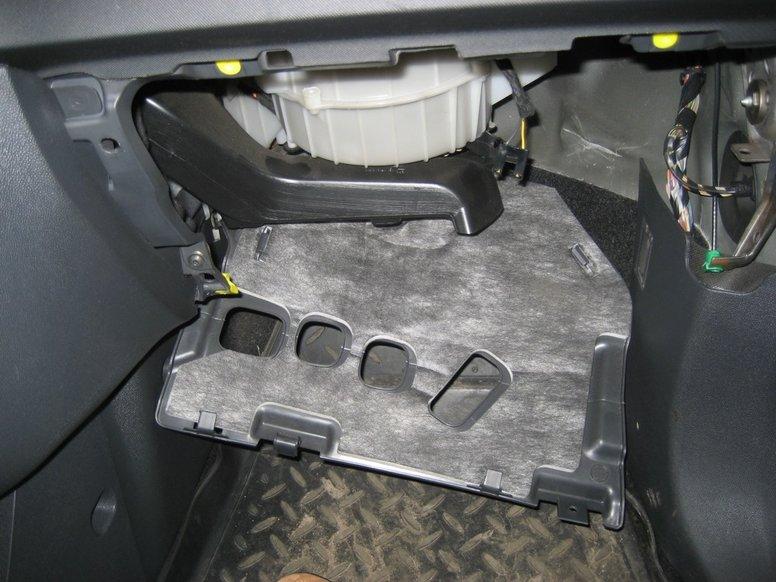 Чому не гріє пічка в салоні автомобіля