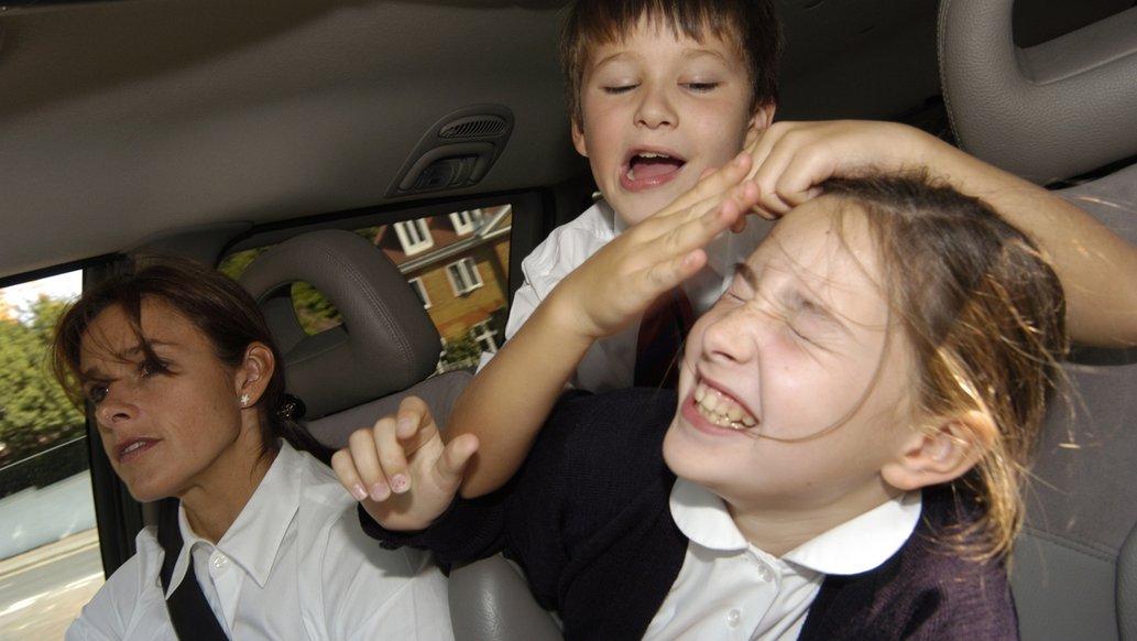 Що робити в далекій дорозі в машині
