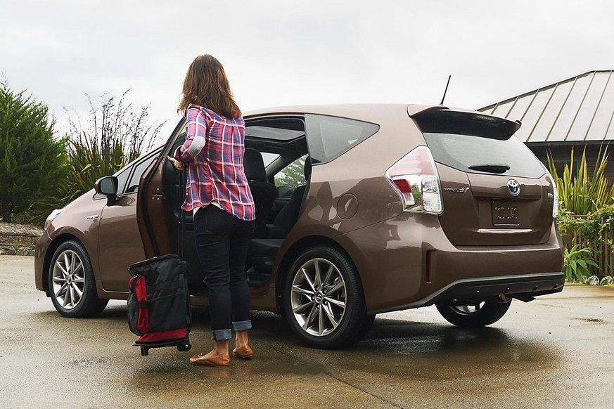 Toyota впроваджує систему, що врятує тих, хто плутає педалі