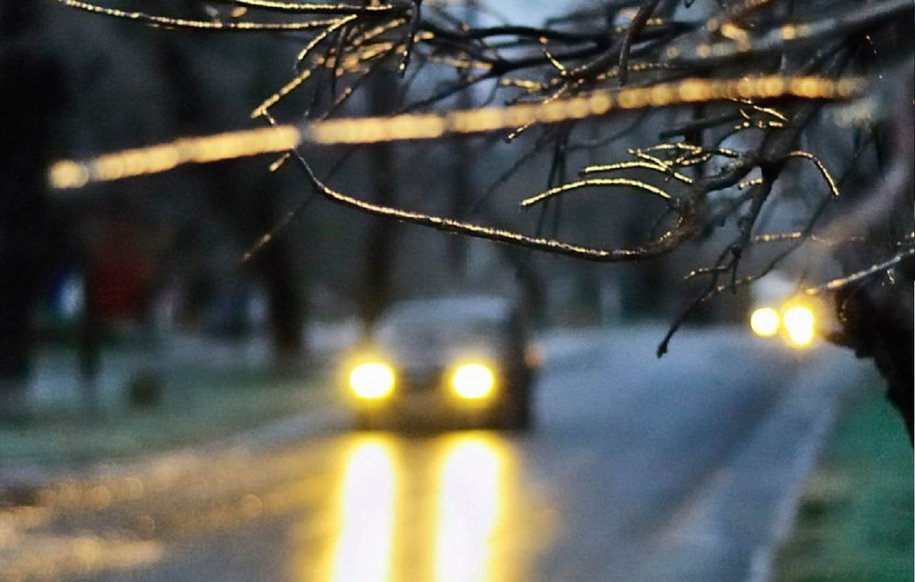 Чи потрібно вмикати світло за містом: думка юристів