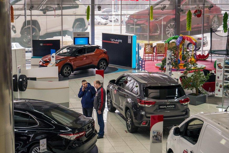 Щоб продавати автомобілі, потрібно вивчити психологію покупця