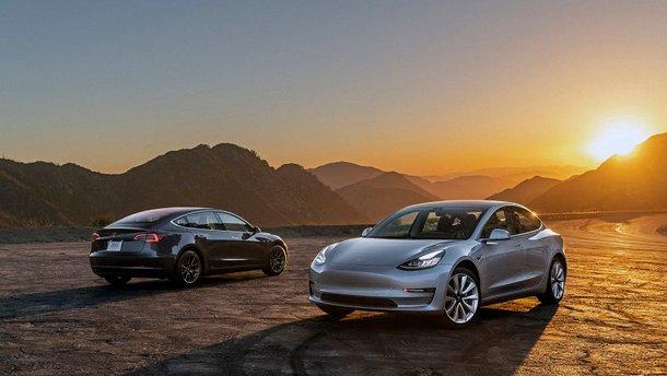 Tesla Model 3 без водія проїхала 1001 км на одному заряді