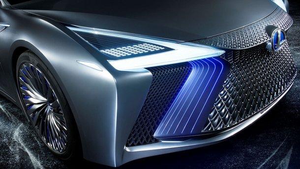 Новий Lexus IS отримає двигун BMW