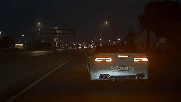 Відеокамери Tesla зняли аварію не гірше за голівудських операторів