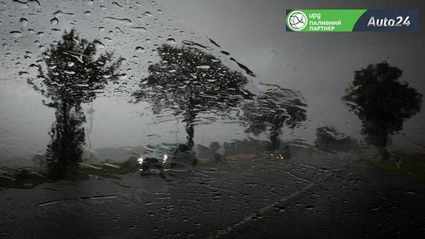 Як їхати, якщо автомобіль потрапив у страшенну зливу