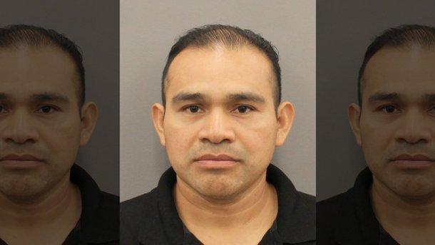 Чоловіка звинувачують у вбивстві через те, що дозволив 12-річній доньці сісти за кермо