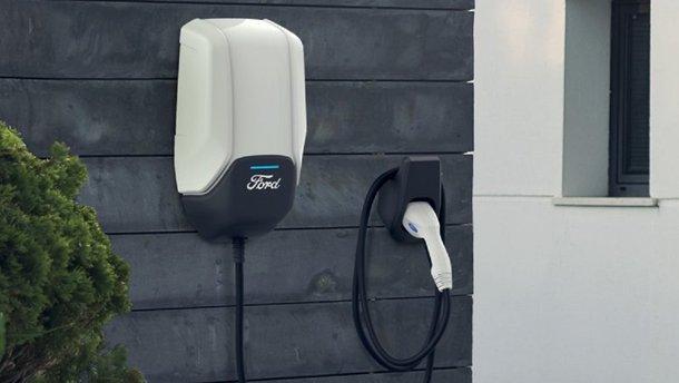 Ford оголосив про будівництво мережі фірмових швидкісних зарядок з 12 тисяч станцій у США