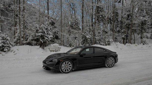 Власник електрокара Porsche Taycan проїхав майже 18 тисяч кілометрів за 46 днів і все знімав на відео