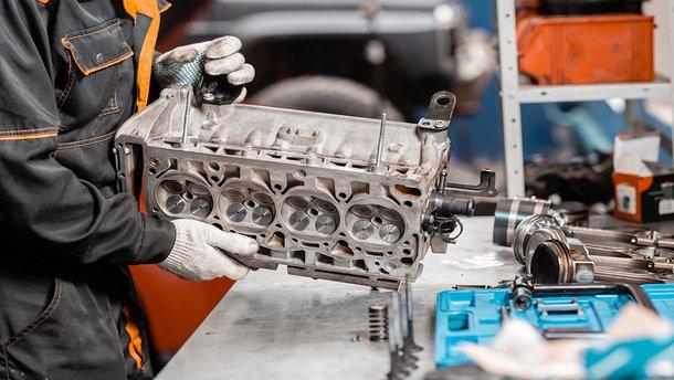 Капремонт мотора: у майстра чи своїми руками