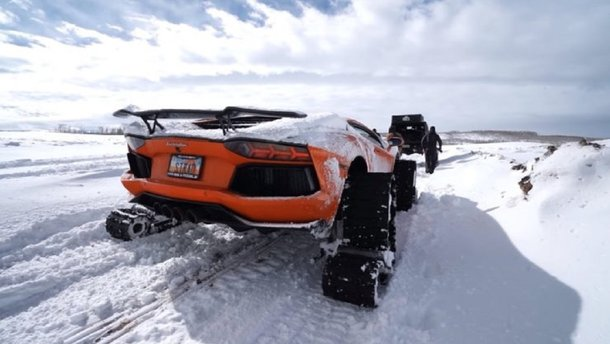 Спорткари на снігу: з Lamborghini зробили танк на гусеницях