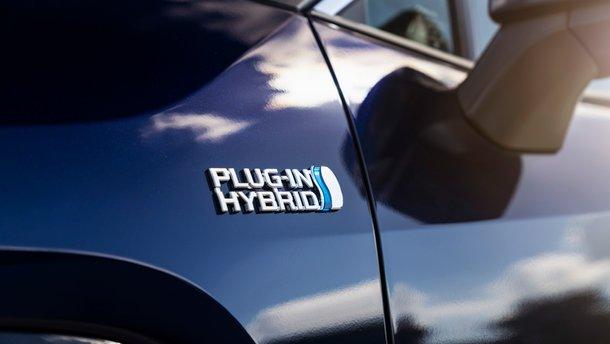 Украинцы купили рекордное количество гибридных авто