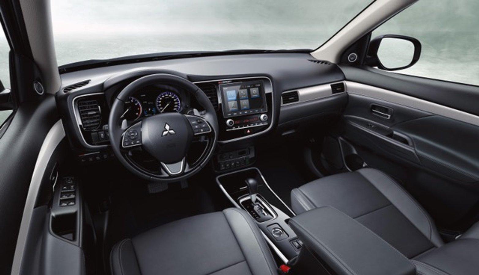 В Україні стартували продажі 7-місної версії Mitsubishi Outlander