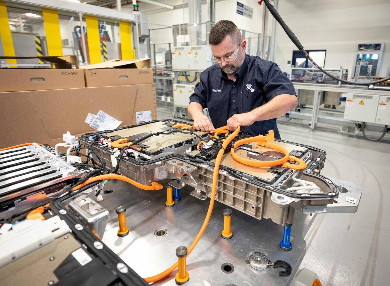 Стало відомо, наскільки деградують акумулятори електрокарів протягом року