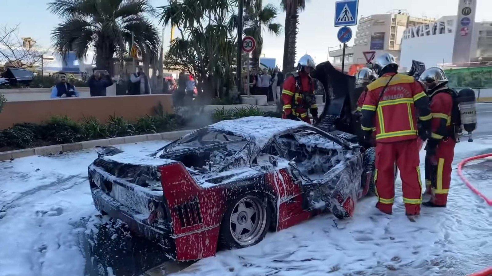 Ferrari F40 згоріла прямо посеред дороги: відео