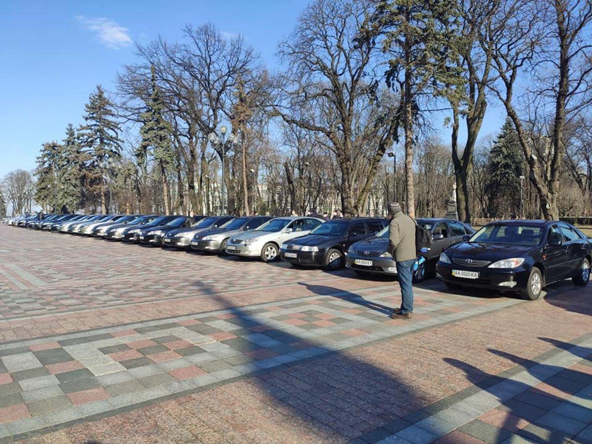 Як українські автомобілісти допомагають у боротьбі з короновірусом