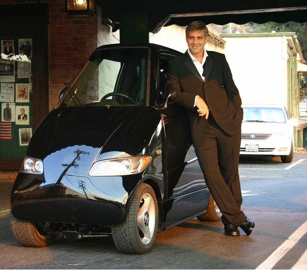 Електрокар Tango T600 вдвічі вужчий за Smart, а коштує дорожче Tesla Model S Performance