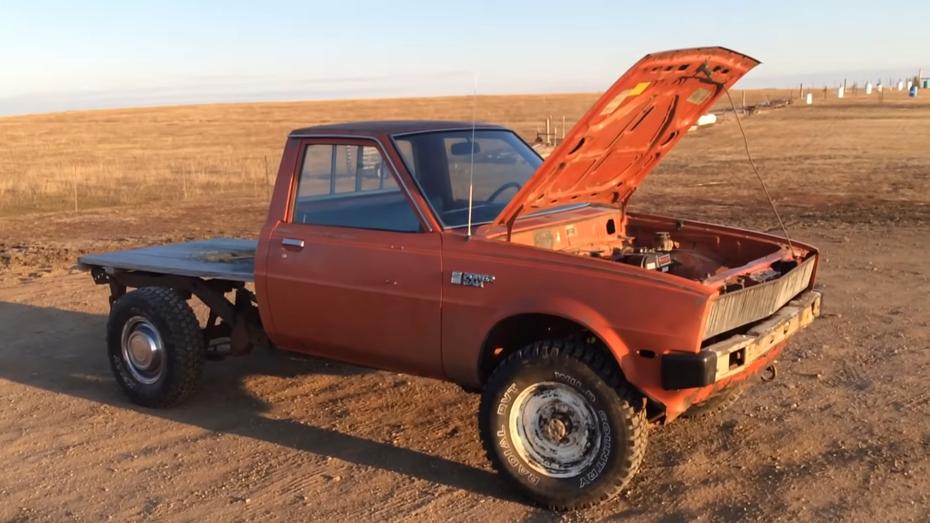 Американець встановив у пікап Dodge Ram 0,2-літровий двигун від газонокосарки (відео)