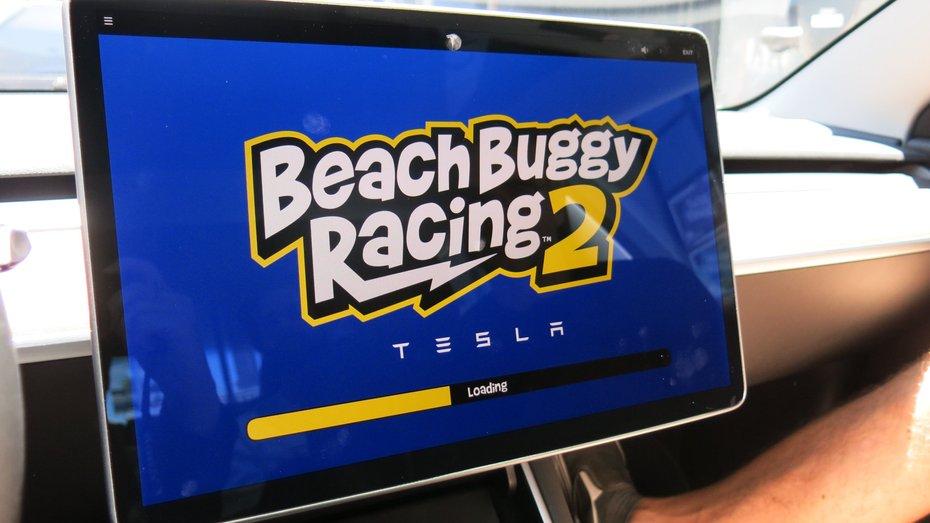 Tesla порадувала власників новою грою, доступною в електрокарах марки