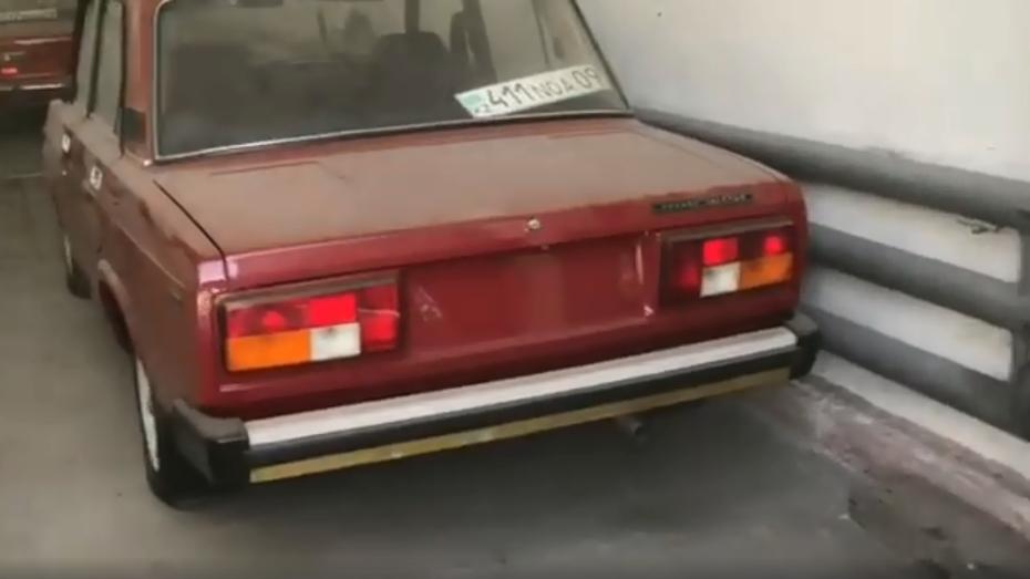 """На відео показали гараж з трьома """"Жигулями"""" з нульовим пробігом"""