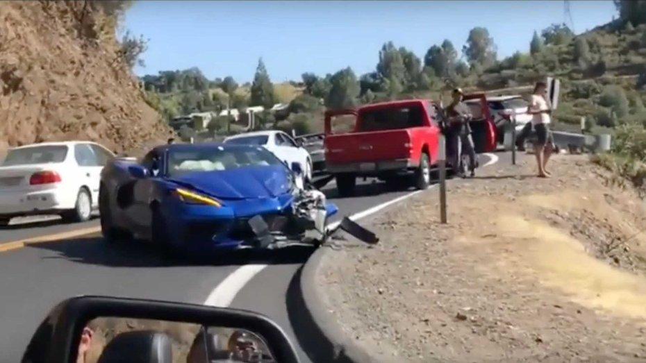 Chevrolet Corvette через три тижні, після офіційної прем'єри, потрапив в першу аварію